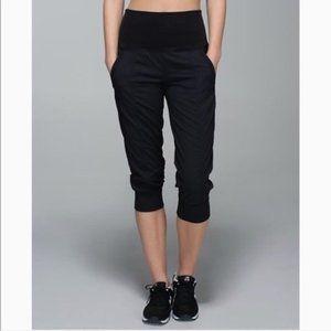 Lululemon In Flux Crop Pants Black